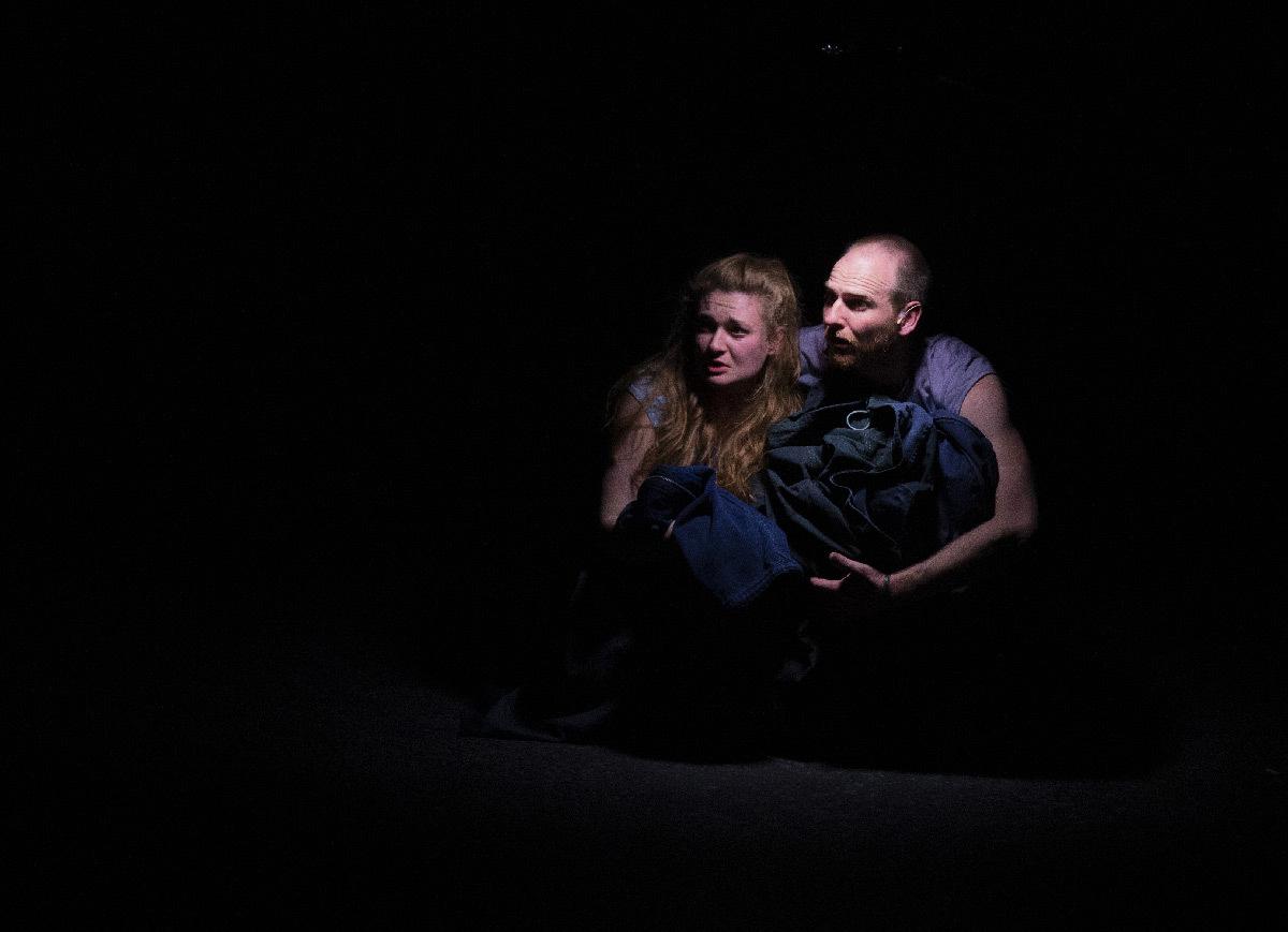 Ombre et lumière dans Inoxydables avec Antoine Amblard et Juliette Savary