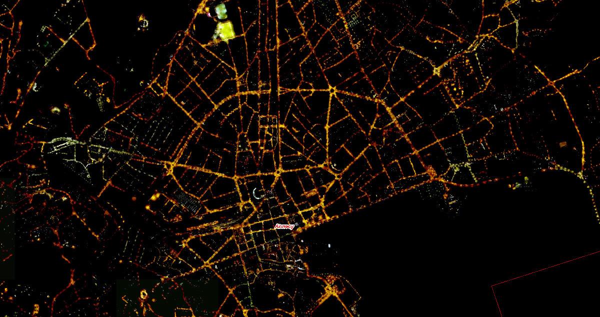 Orthophotographie nocturne du centre-ville d'Annecy