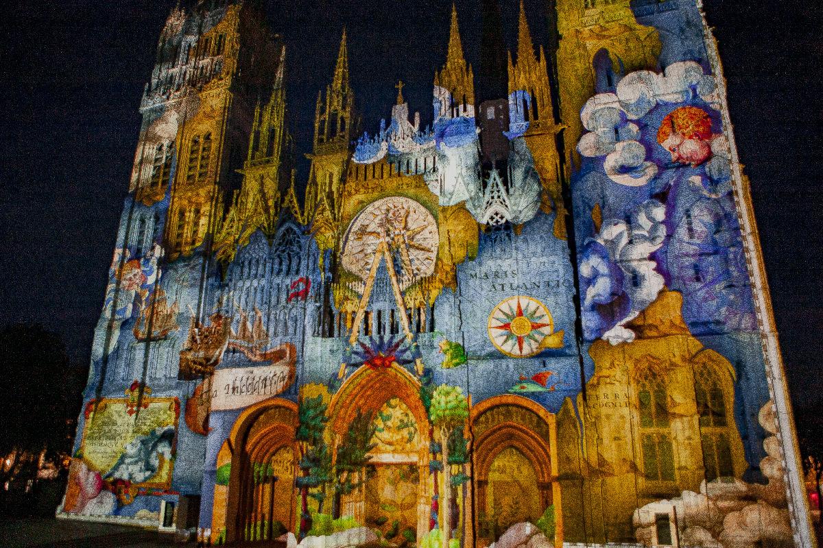 Cathédrale de Rouen, France - Les Nouveaux Mondes, création 2019 video et photo © Cosmo AV