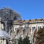 Cathédrale Notre-Dame de Paris, échafaudage, cœur et façade sud sans toiture et vitraux - Septembre 2019 © Vincent Laganier