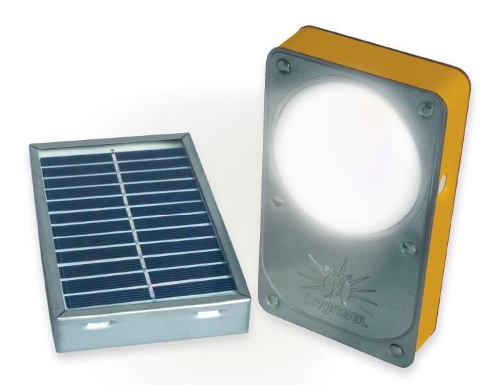 Lampe solaire Kalo 1500 éclairée © Lagazel