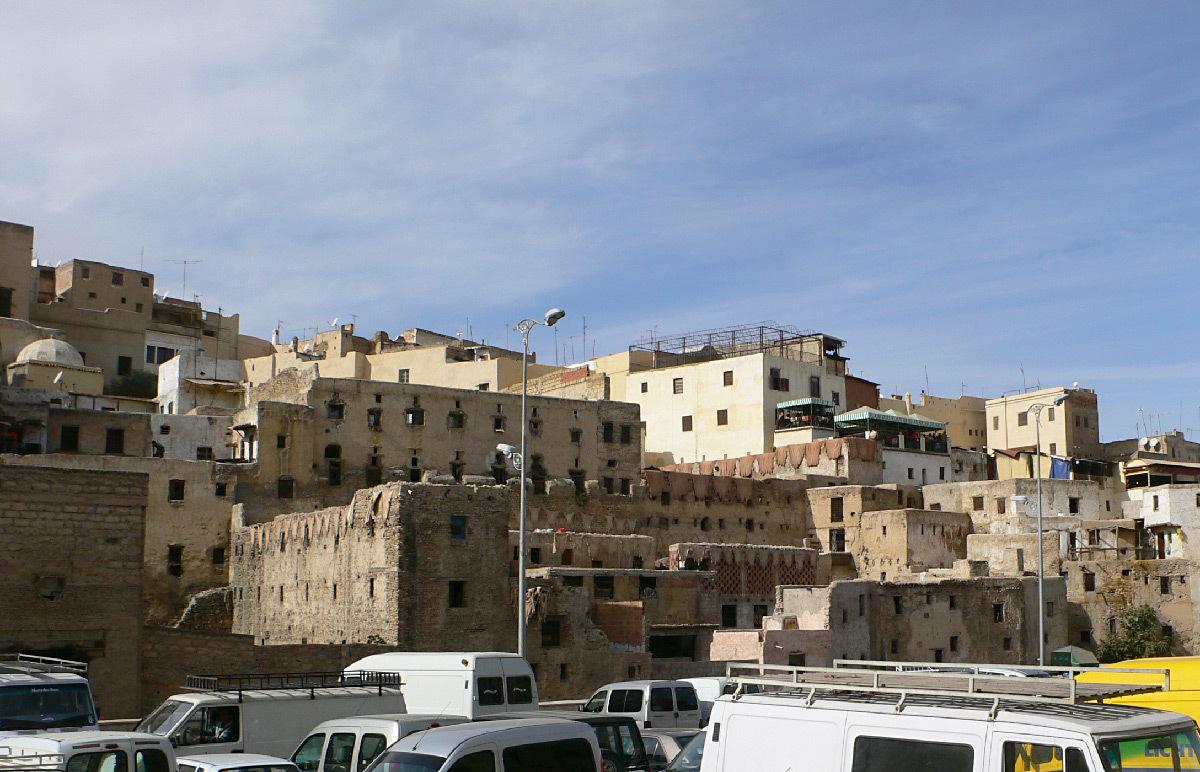 Eclairage public, parking, ville de Fes, Maroc © Vincent Laganier