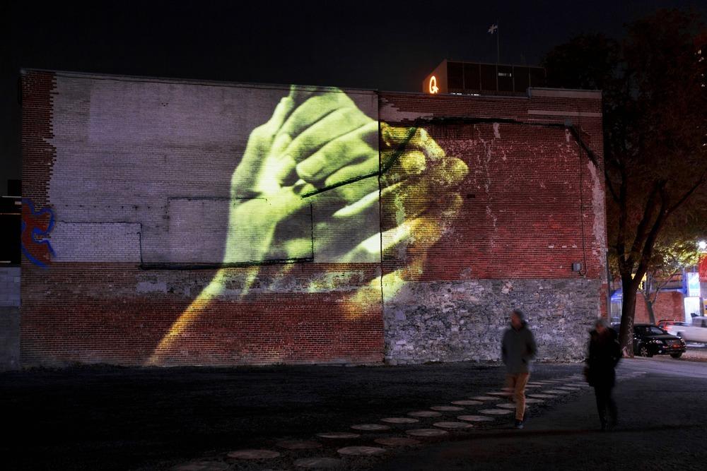 Le jour des 8 Soleils, de Grandmaison, en collaboration avec Bedard, Blais, Murphy, Guilbaut, Lapointe - Luminothérapie 2012-2013, Quartier des Spectacles, Montréal, Québec