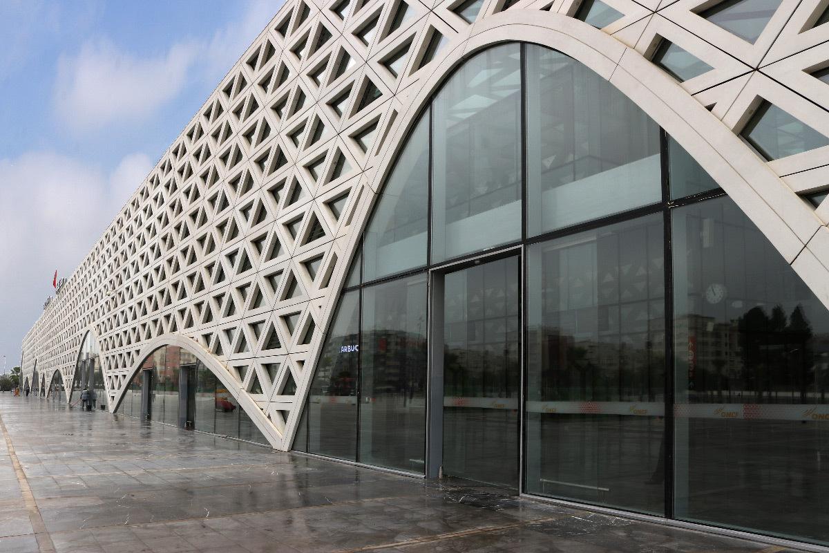 Façade, gare de Kénitra, Maroc - Architectes : OKA, SDA