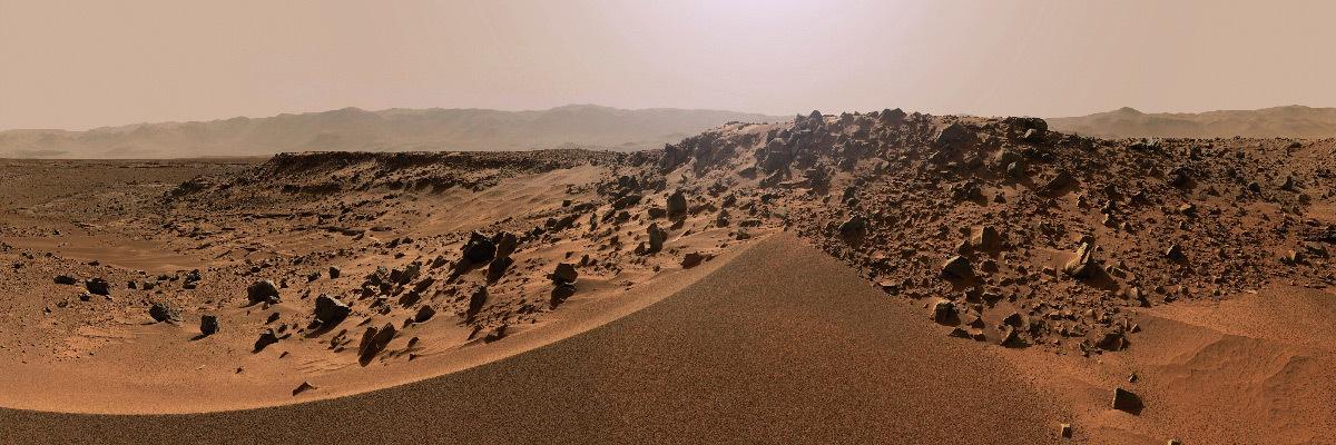 Planète Mars, panorama au niveau du sol
