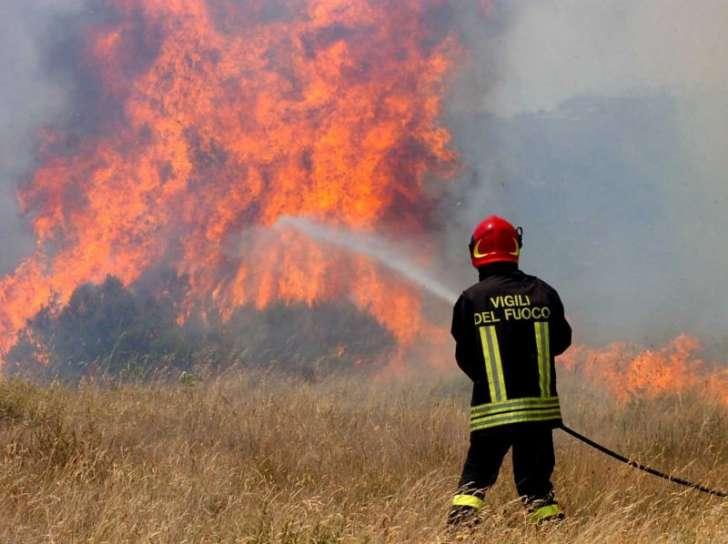 Paziente psichiatrico fugge e provoca 8 incendi: fu coinvolto in un omicidio