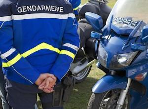 Poliziotta investita a Parigi