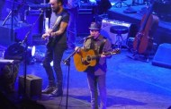 Paul Simon e Sting 'on stage together':