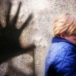 pedofilo vittima bimbo