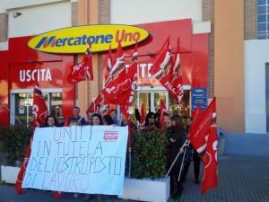 Mercatone Uno in sciopero a Genova