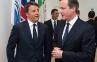 Renzi accoglie David Cameron all'Expo di Milano (e parla inglese) - VIDEO
