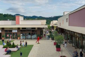 Outlet ShopInn di Brugnato