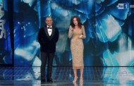 Sanremo 2016, sul palco dell'Ariston irrompe Sabrina Ferilli