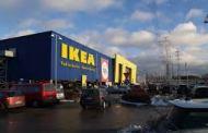 Ikea ritira tre modelli di plafoniere, si staccano dal soffitto