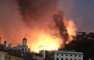 Genova, contenuto rogo in via Varenna. Fiamme verso Bavari e San Desiderio