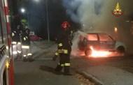 Auto in fiamme a La Spezia, intervengono i Vigili del Fuoco