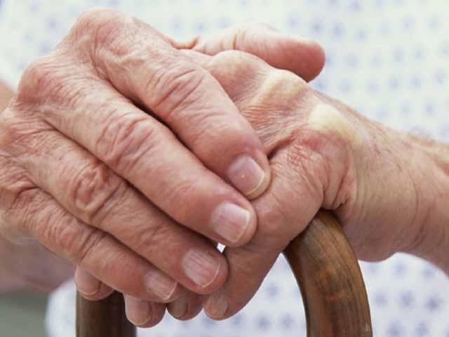 Ravenna, anziane maltrattate in una casa-famiglia: testate e lavaggi con acqua fredda