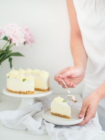 cheesecake s bijelom cokoladom i ljesnjacima (14)
