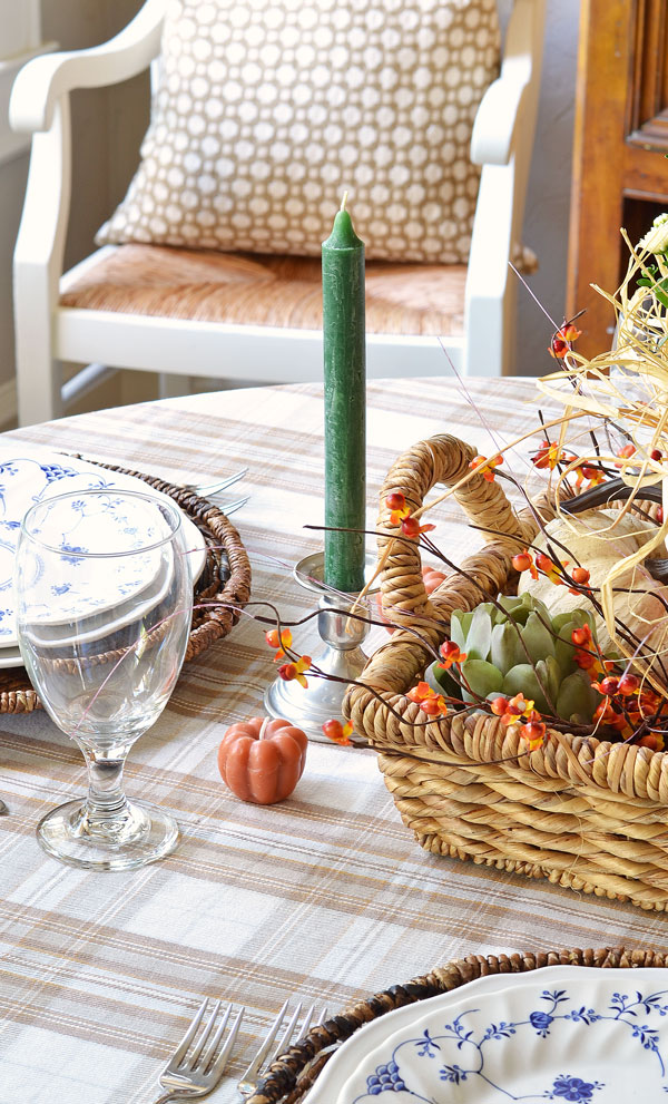 siliver-candle-sticks-blue-and-white-dishes