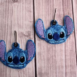 ITH Blue alien Zipper Pull – 4×4, 4×4 and 5×7 grouped included- DIGITAL Embroidery DESIGN