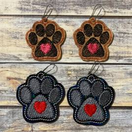 Paw Heart Earrings – 2 sizes – 4×4 and 5×7 Grouped- Digital Embroidery Design