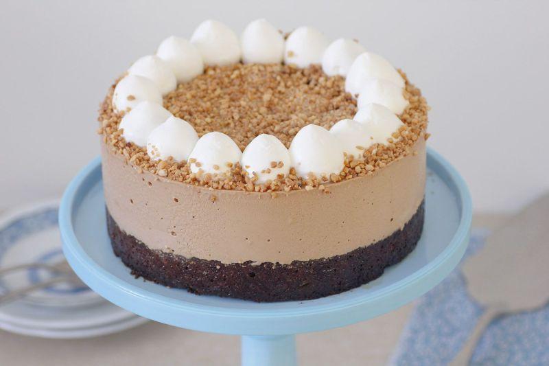 עוגת מוס קפה, שוקולד ואגוזי לוז