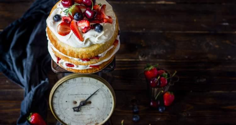 summer berry cake| lilcupcakemonkey.com