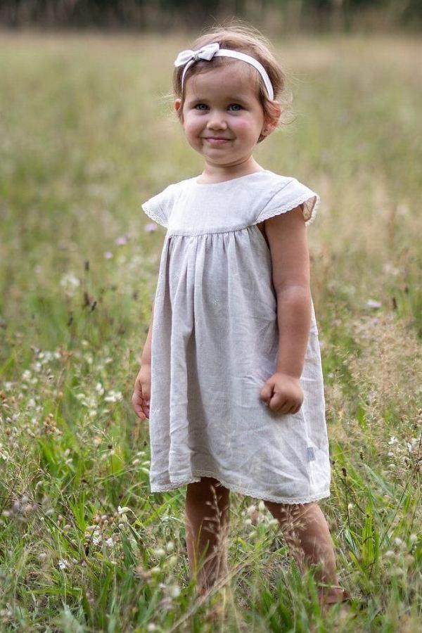 sukienka-dla-niemowlaka-naturalny-len-jasny-bez-z-kokardka-koronka-zwiewna-lekka-wygodna-od-polskiej-marki-lilen