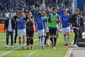 Florian Stritzel, SV Darmstadt 98 (2. von rechts)s
