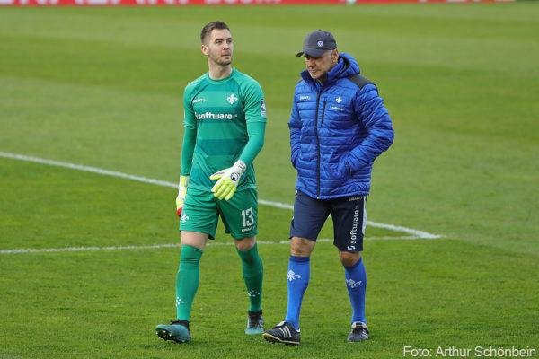 Carl Klaus (links) und Torwart-Trainer Uwe ZimmermannWürzburger Kickers - SV Darmstadt 98