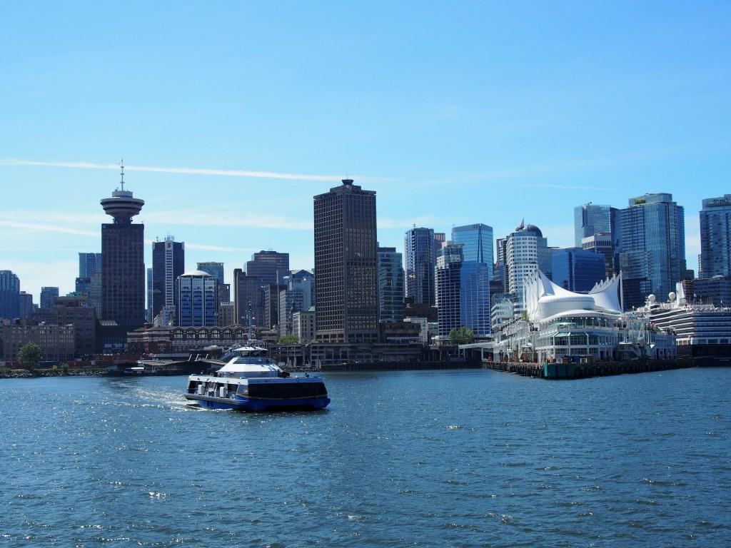 Centre ville de Vancouver et le Seabus