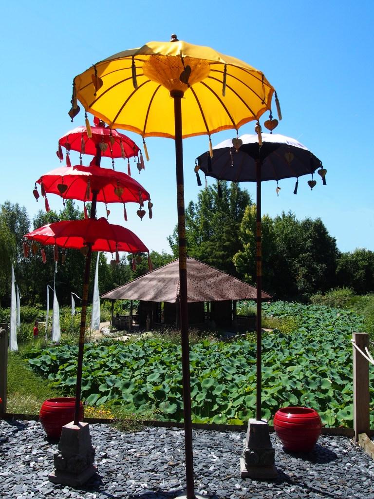 Ombrelles balinaises - Jardins des Martels