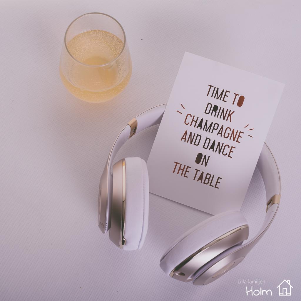 Fotograf Anneli Holm | Fotoutmaning | Familj | Lilla familjen holm | Champagne