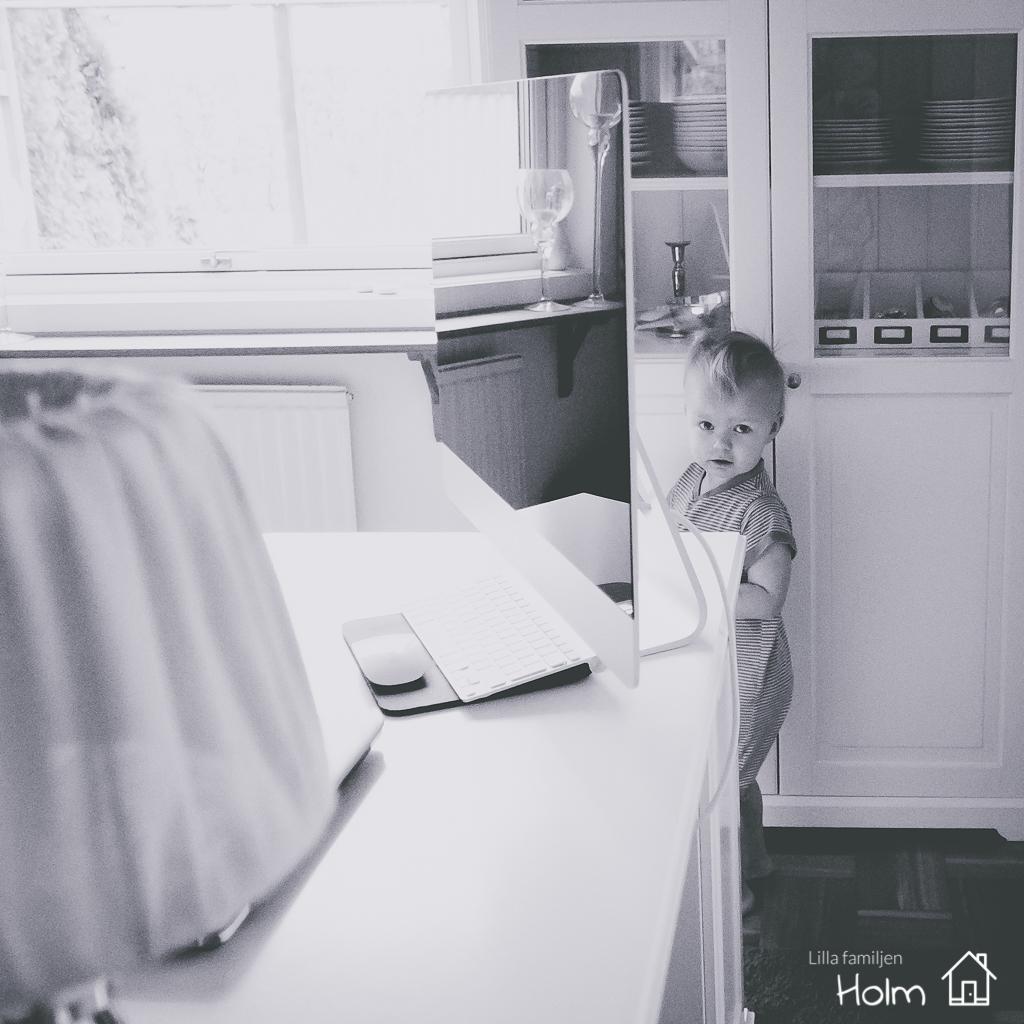 Fotograf Anneli Holm | Fotoutmaning | Familj | Lilla familjen holm | Barnasinne