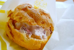 Strawberry_&_cream_puffs[1]