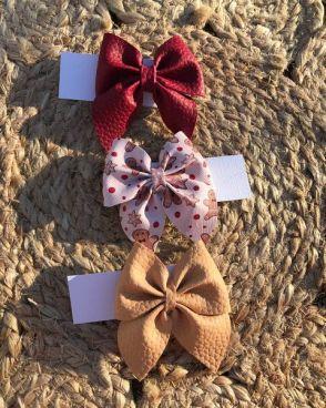 Medium-sized Sailor Bows
