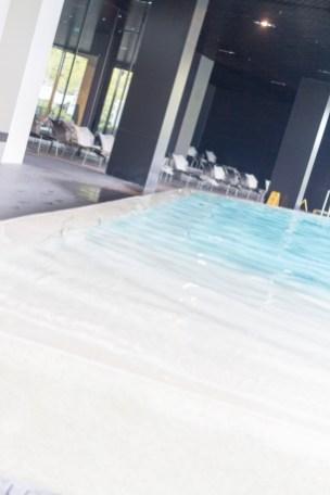 lone-hotel_30