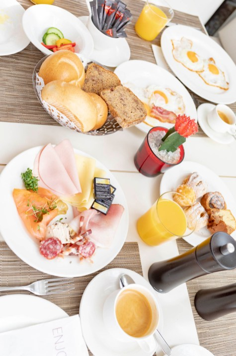 Frühstück im Seepark Hotel