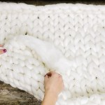 Chunky Knit Blanket Diy Find Out How To Chunky Knit A Throw Blanket In 3 Easy Steps
