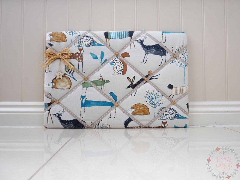 Fabric Memo Boards handmade to order! If you have any questions, or need any help with fabrics, please don't hesitate to get in touch! Thank you for supporting our small business 🖤 Samantha & Jaine - Lilymae Designs x