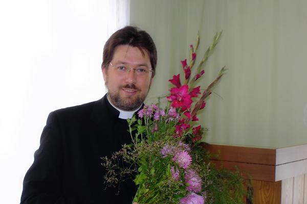 mācītājs Guntis Bukalders