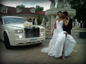 Image of New Rochelle wedding limouisine