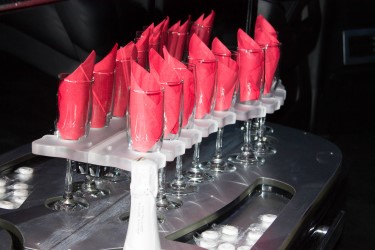 SUV Limousine Wine Glasses Image