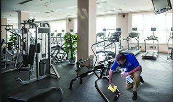 limpieza-de-centros-deportivos-gimnasios-gym