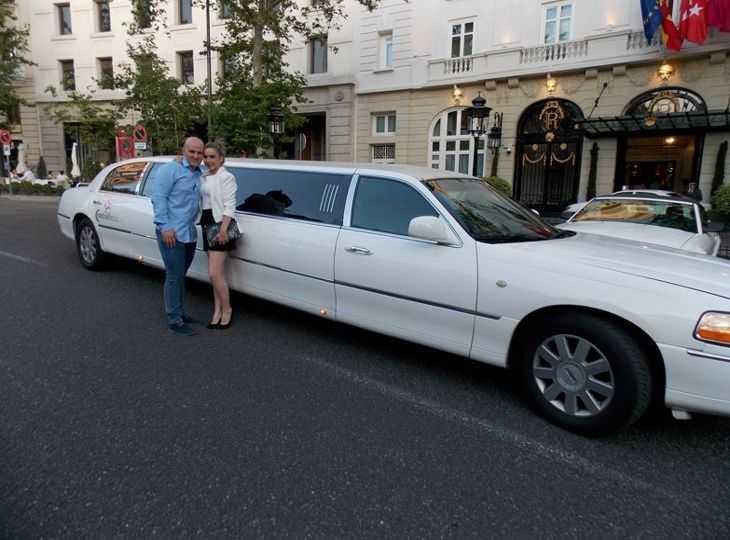 Tour en limusina Madrid con una Lincoln 120
