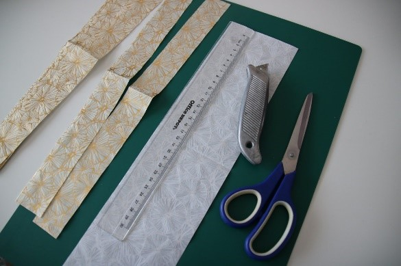 Découpage sur vase - lamelles papier de soie