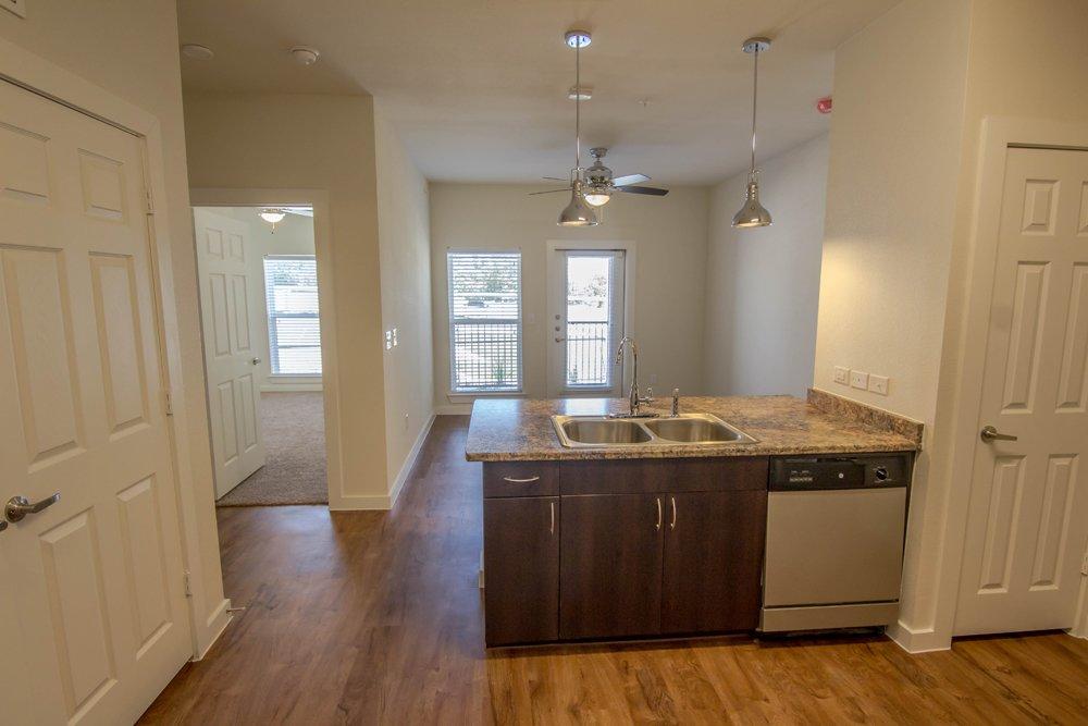 Lincoln Property Company Properties Urban Oaks Austin Tx
