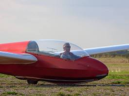 First solo landing in a glider - making it look easy :-)