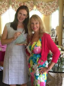 Presenting an award to actress Jennifer Garner