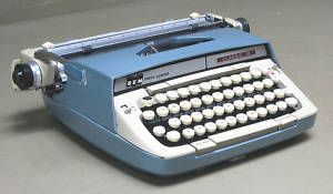 Smith-Corona_Classic_12_Portable_Manual_Typewriter_Blue